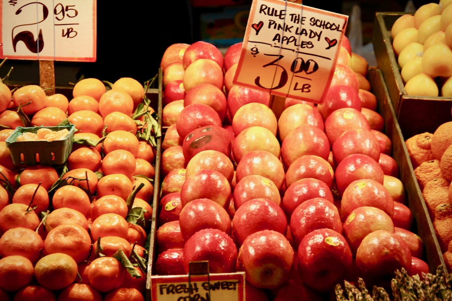Fresh Fruit in Pike Place Public Market in Seattle, Washington ... 24 hours in Seattle ... The Spectacular Adventurer