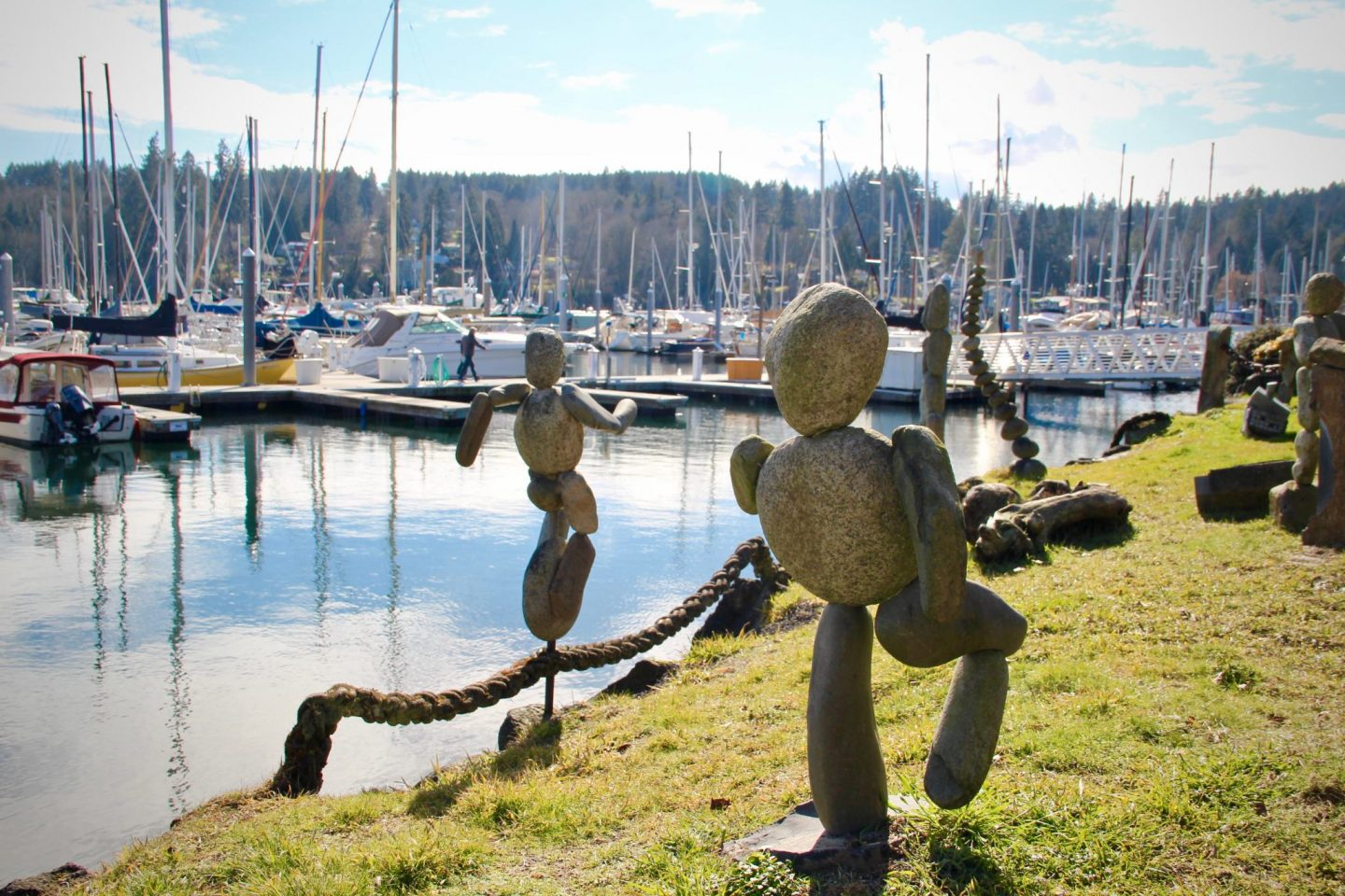 Bainbridge Island rock statues, Washington - The Spectacular Adventurer
