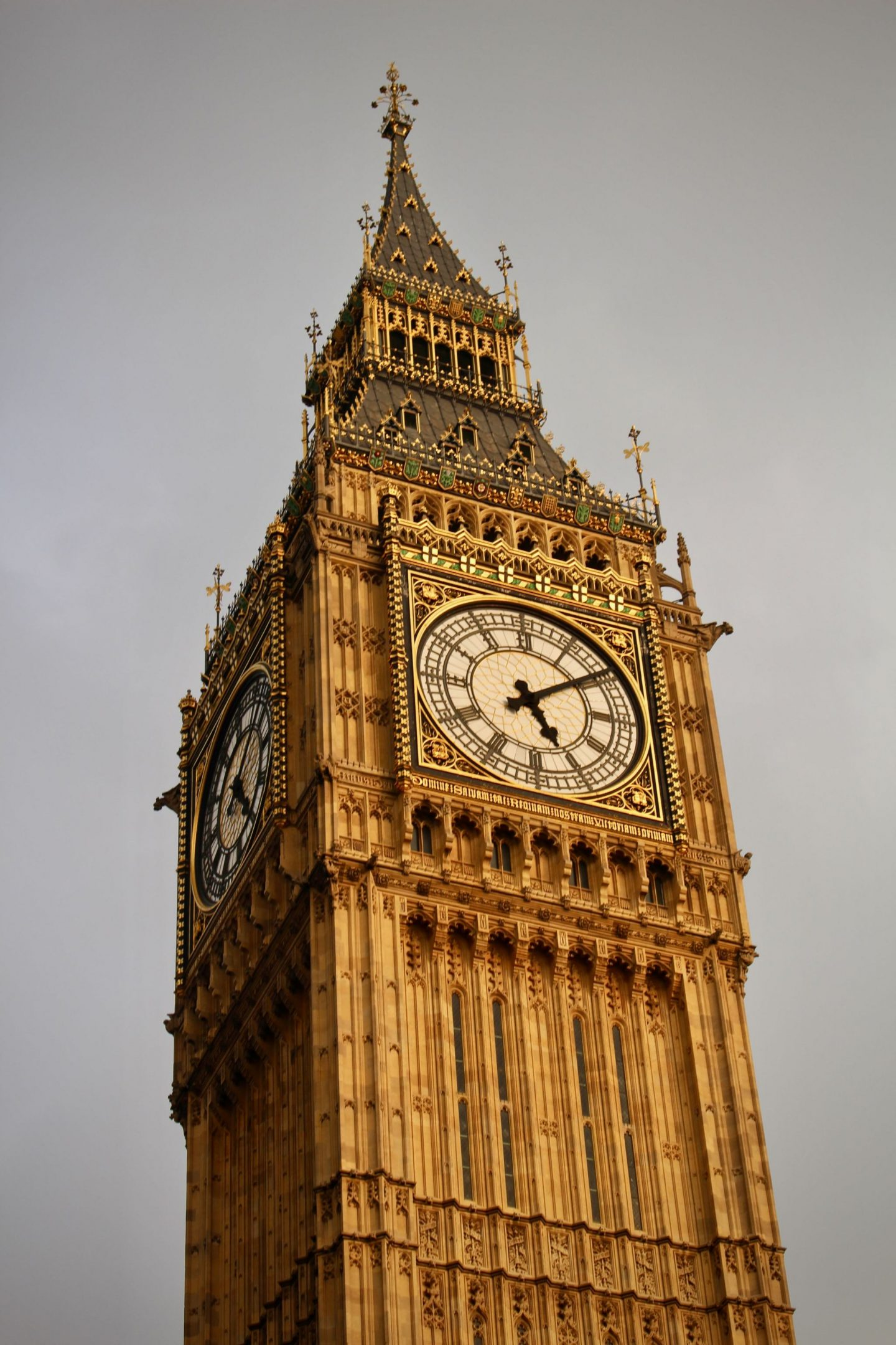 Big Ben ... London UK Travel Guide ... The Spectacular Adventurer