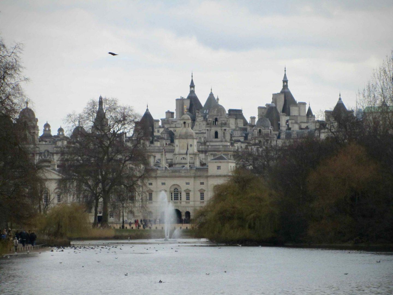 St. James Park London ... The Spectacular Adventurer