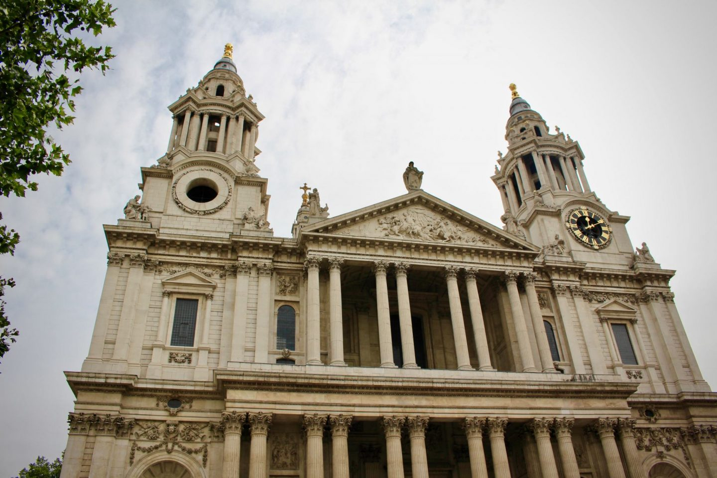St. Paul's London UK | Visiting St. Paul's Cathedral | The Spectacular Adventurer