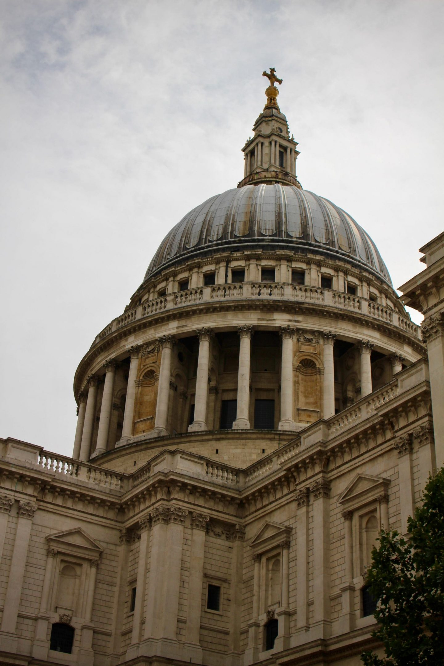 London St. Paul's Cathedral ... The Spectacular Adventurer