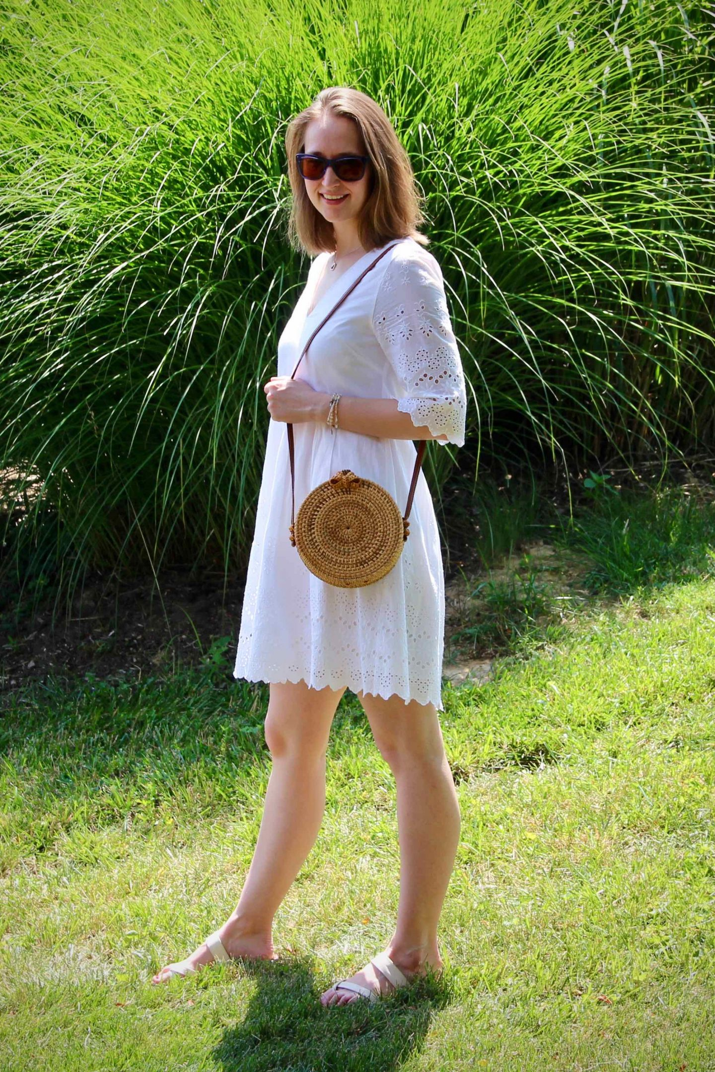 Straw Purse with white Madewell dress ... How to accessorize a white dress ... the spectacular adventurer