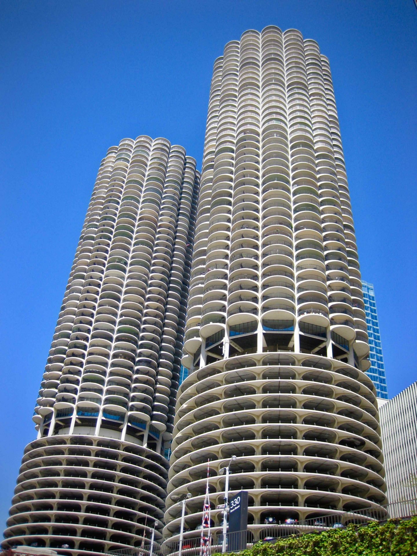 Chicago Buildings ... The Spectacular Adventurer