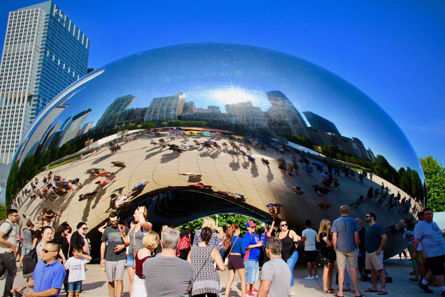 Cloud Gate in Millennium Park | Chicago Travel Guide | The Spectacular Adventurer