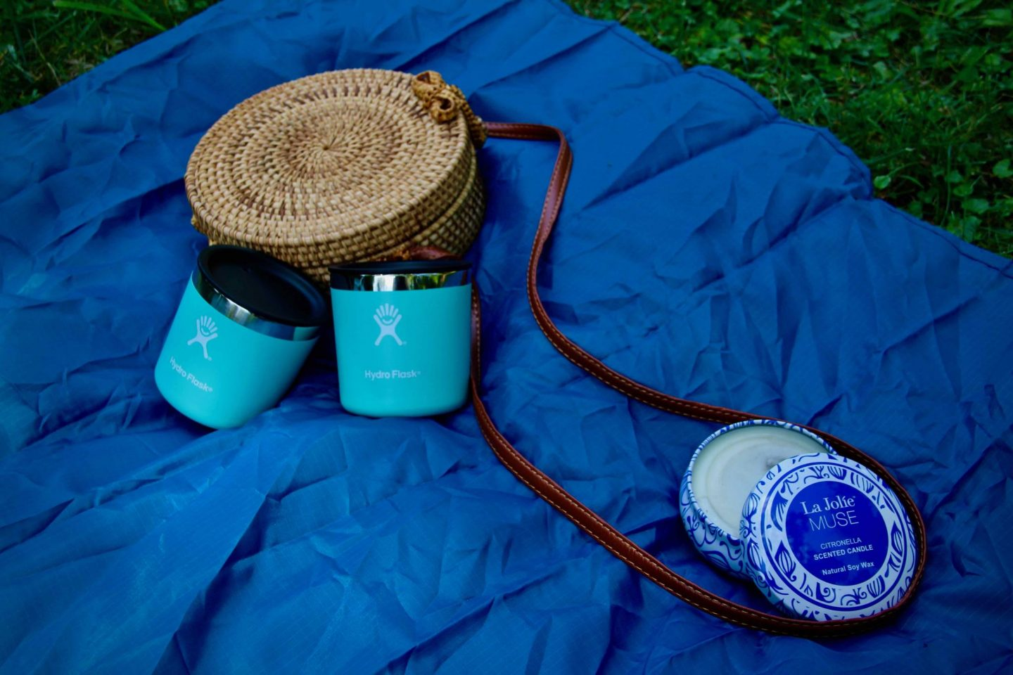 Straw Purse, Hydro Flasks, & Citronella Candles ... 5 Favorite Things for Summer Picnics ... The Spectacular Adventurer
