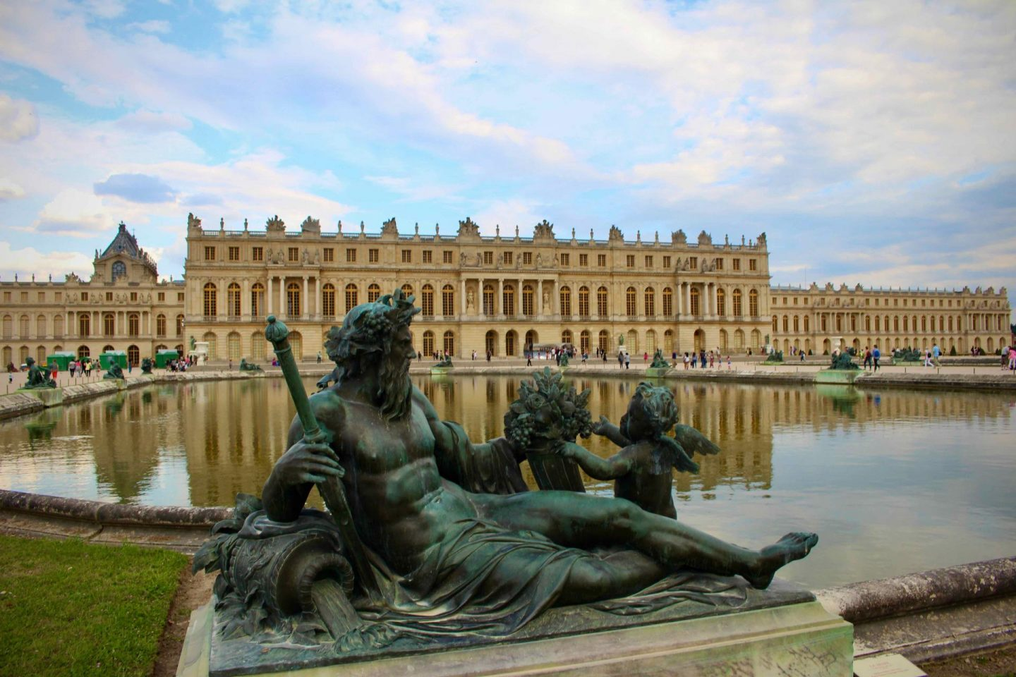 Palace of Versailles | Day trip from Paris to Versailles | The Spectacular Adventurer