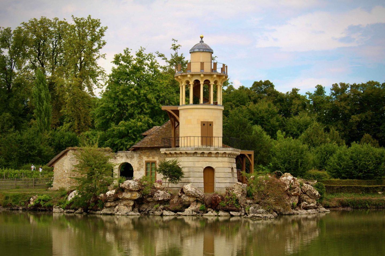 Versailles English Village | Day trip from Paris to Versailles | The Spectacular Adventurer