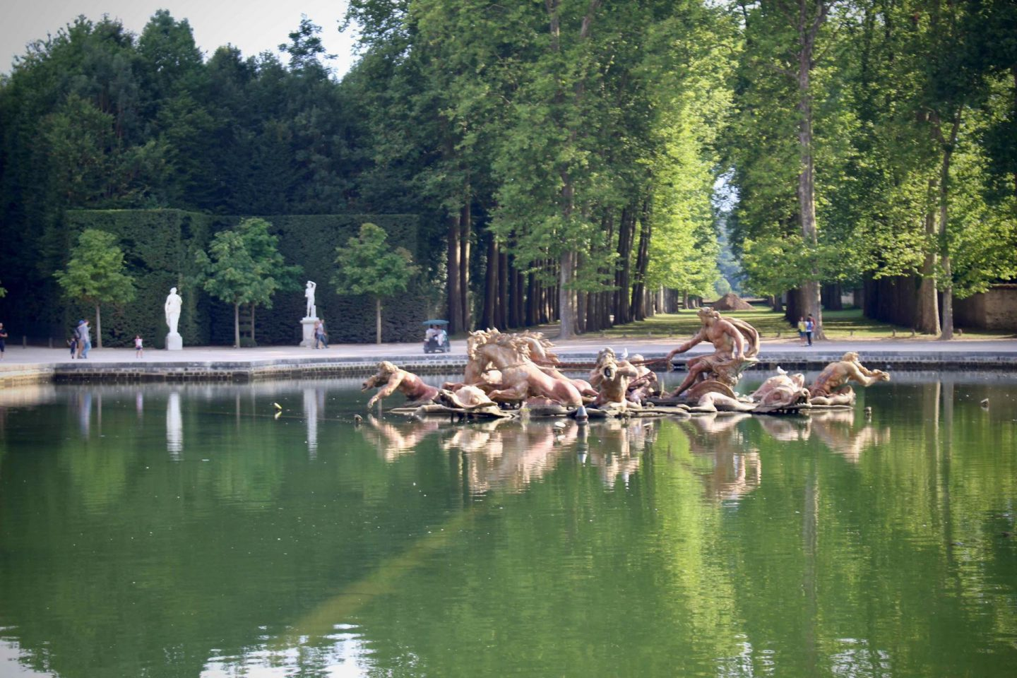 Versailles Fountains | Day trip from Paris to Versailles | The Spectacular Adventurer