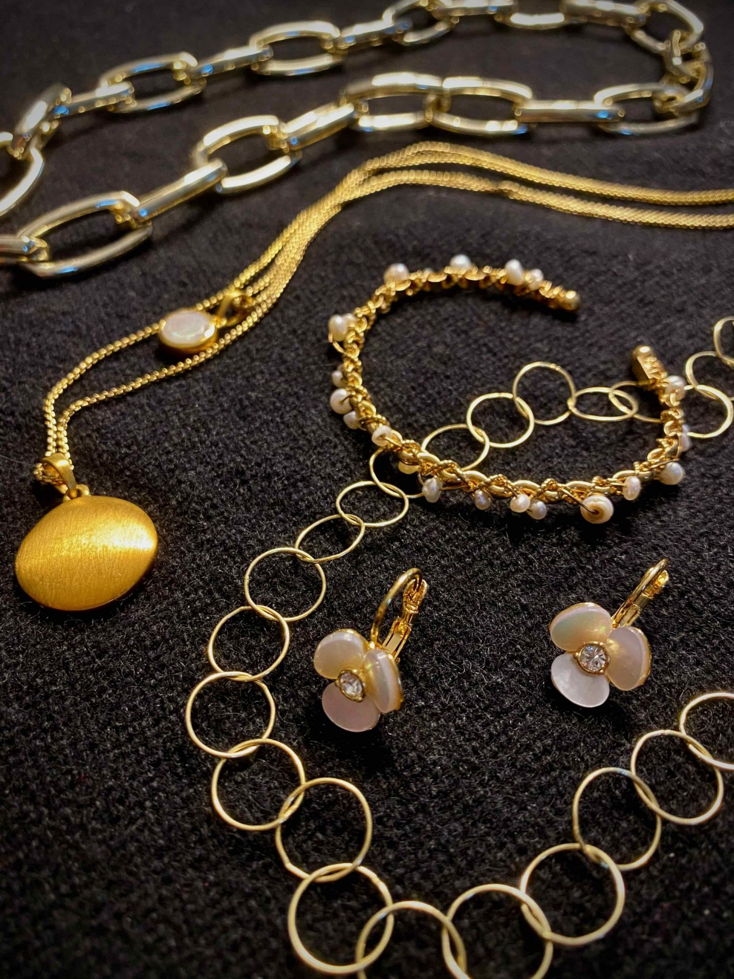 Gold Jewelry | The Spectacular Adventurer