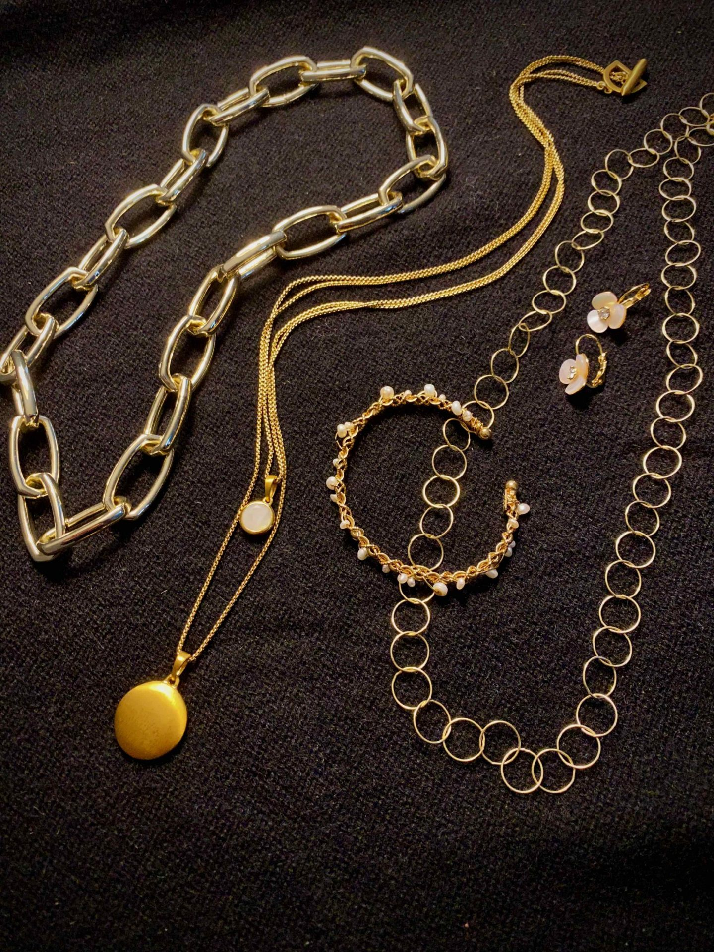 Collection of Gold Jewelry | The Spectacular Adventurer